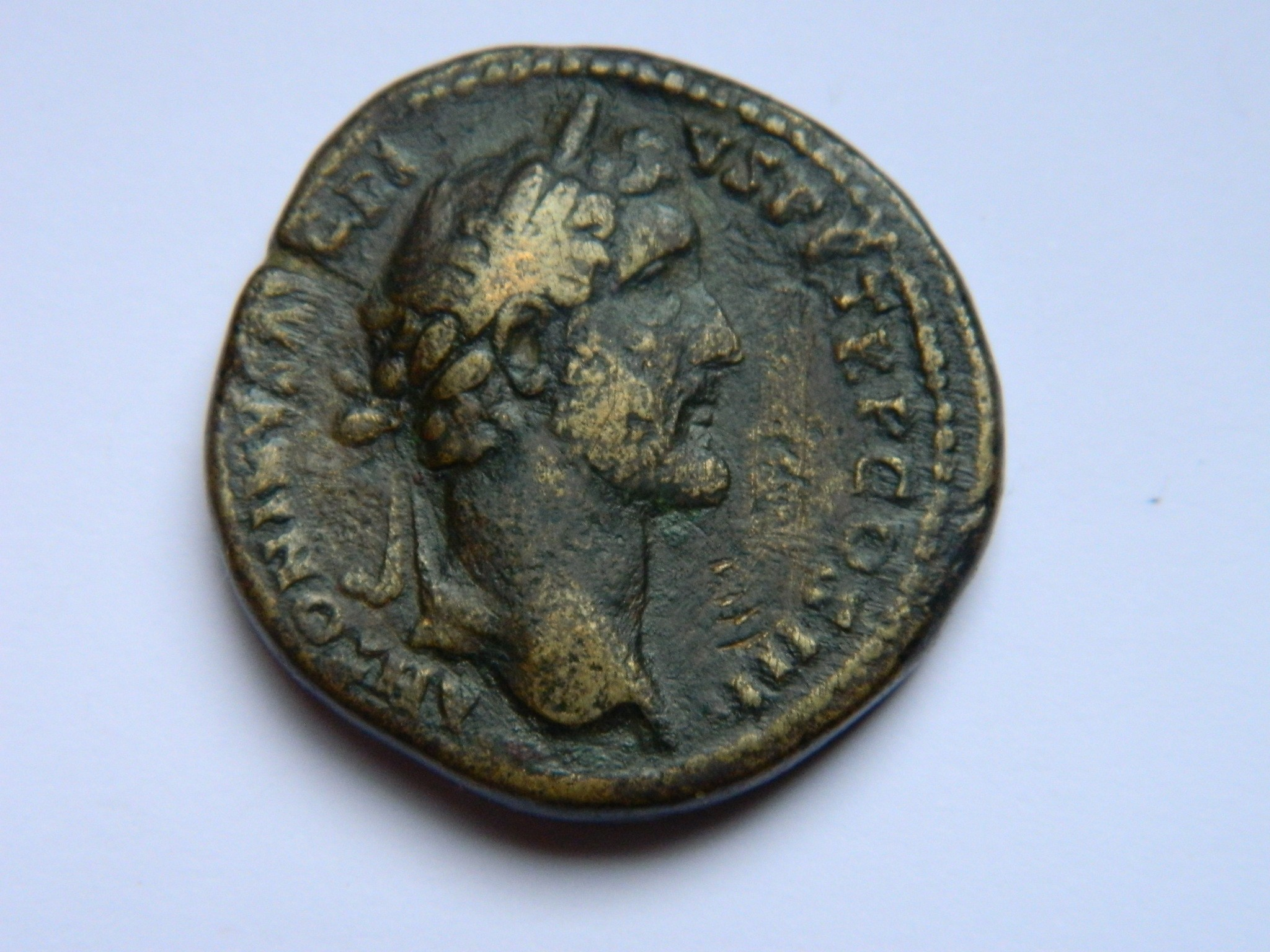 RM027 SESTERCE Antonin le pieux